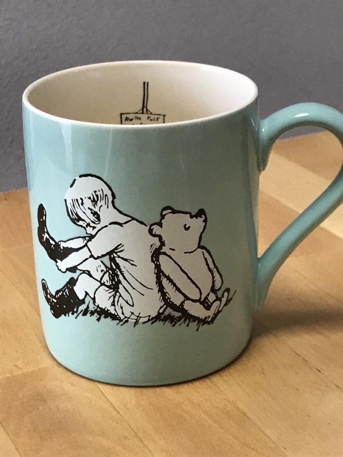 クマのプーさんのマグカップ